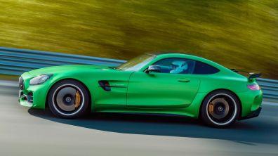 2018-Mercedes-AMG-GT-R-side-in-motion
