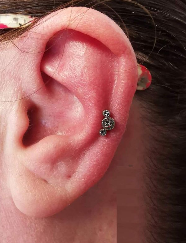 jewelry auricle piercing