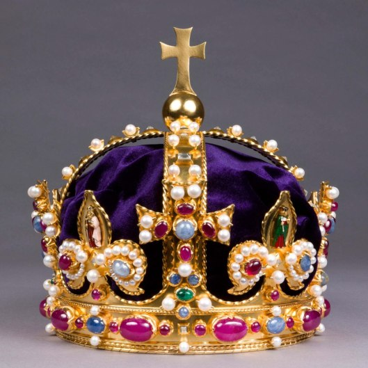Replica of Henry VIII's Imperial Crown which was destroyed after the English Civil War.