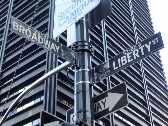 Broadway_and_Liberty_NYC_Halal