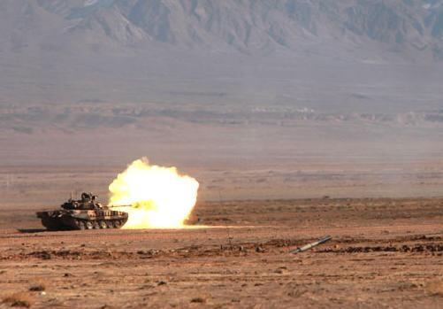 A_T-72_tank_firing