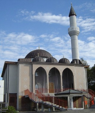 Fittja_Mosque_Crop