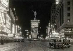 Broadway moroni 1910