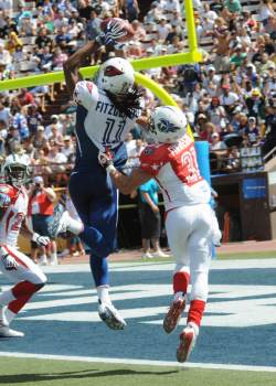 Larry Fitzgerald catches TD at 2009 Pro Bowl