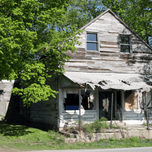 Dilapidated-House-In-Indiana-300x300