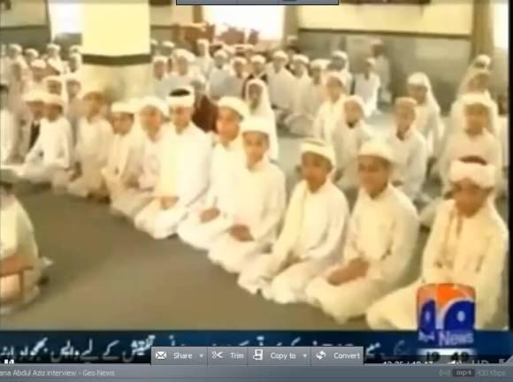 Male students at Jamia Faridia madrassa
