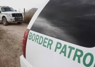 r-ILLEGAL-IMMIGRATION-large570