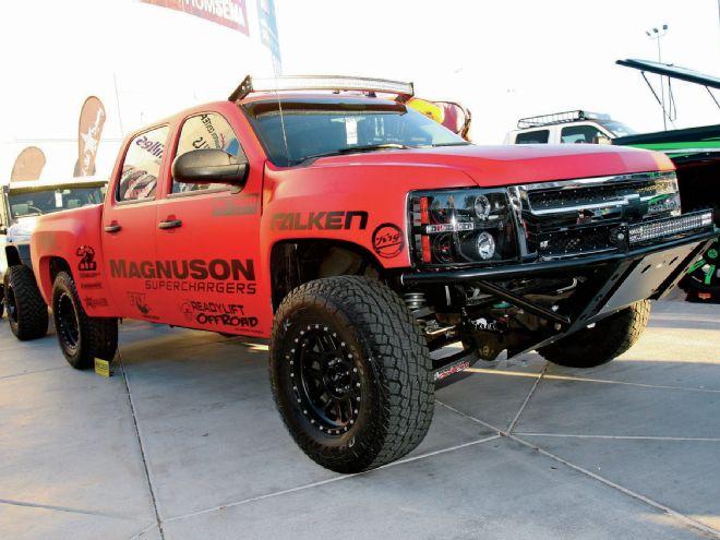 lifted-trucks-of-sema-2014-chevy-silverado