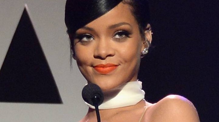 VIDEO: Rihanna honors Tom Ford at the amfAR Inspiration Gala