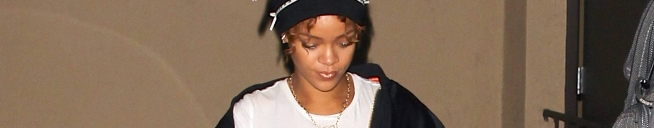 Rihanna goes to a recording studio in Los Angeles