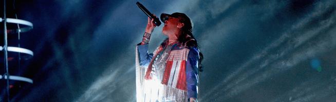Rihanna performs with Calvin Harris at Coachella
