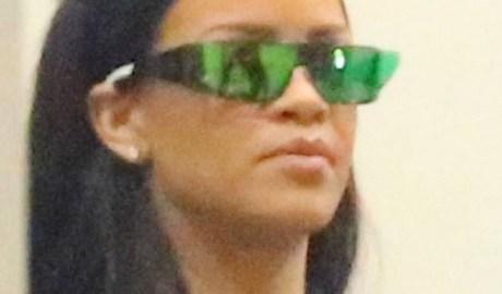 Rihanna spotted at a recording studio March 31, 2016 rihanna-fenty.com