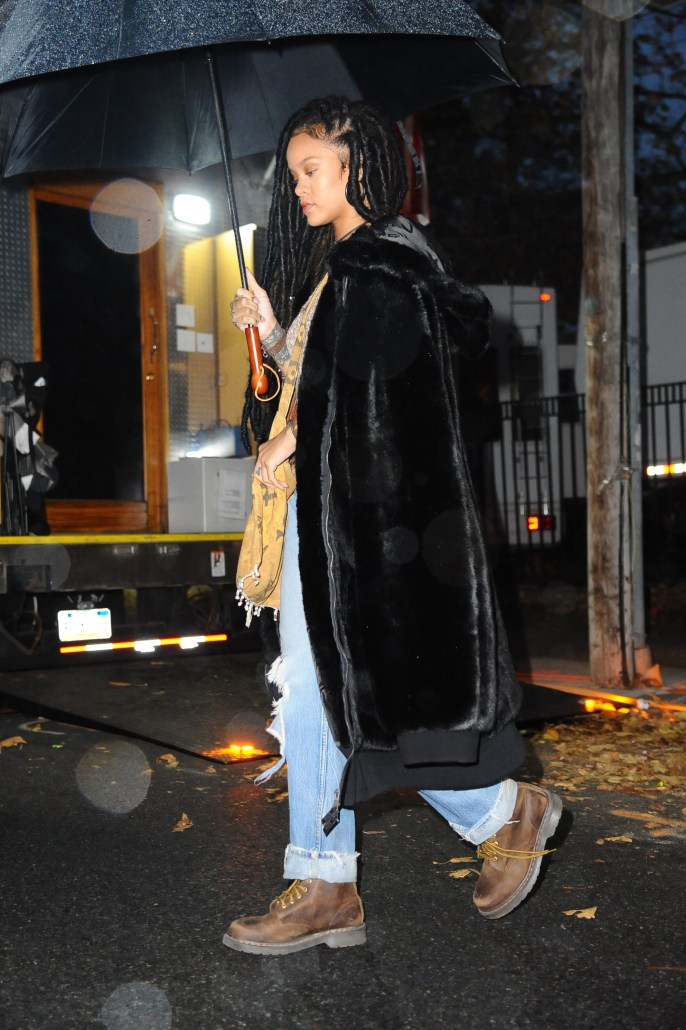 Rihanna steps out on the set of Ocean's Eight on November 9, 2016 long coat