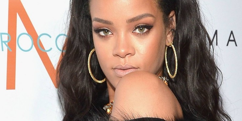 Rihanna Extends Record for Most Radio Songs Top 10s