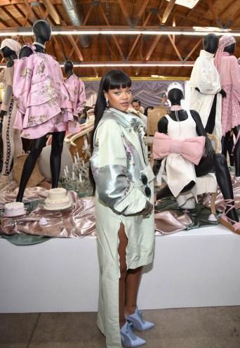 Rihanna opens the FENTYXPUMA pop-up shop in Los Angeles on April 18, 2017 Photos