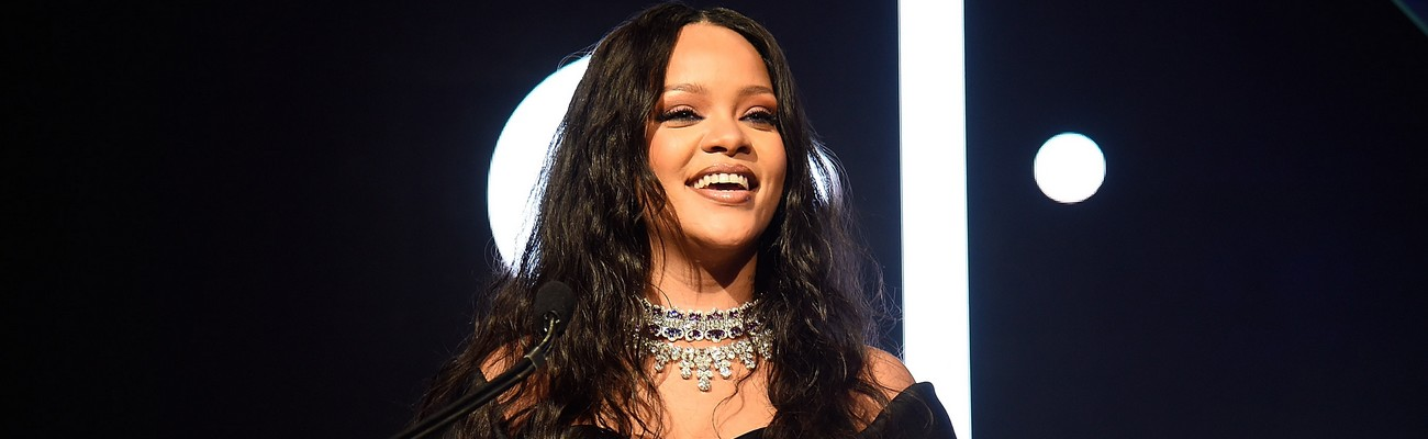Rihanna sets date for fourth annual Diamond Ball