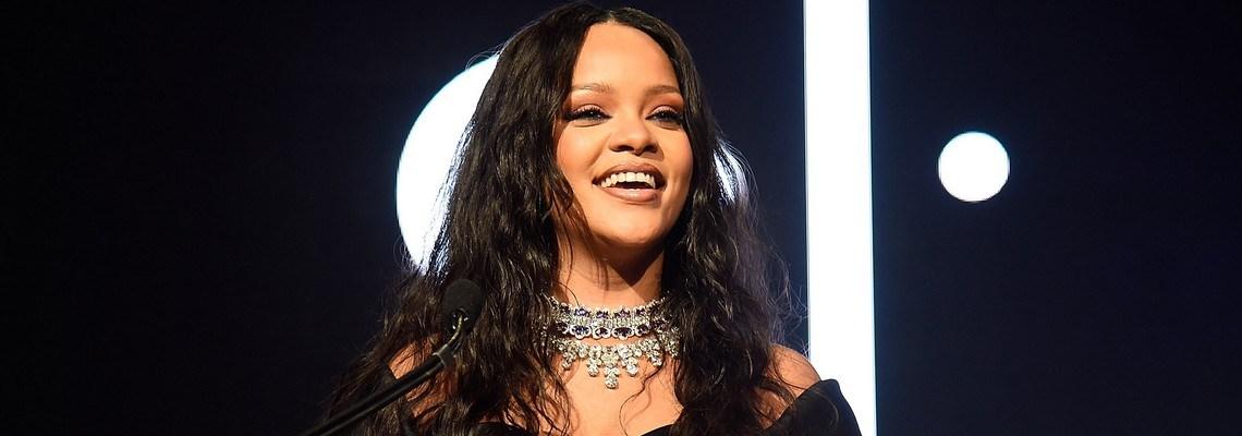 Rihanna sets date for fourth annual Diamond Ball