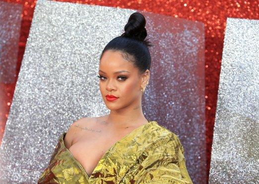 Rihanna attends Ocean's 8 premiere in London on June 13, 2018 photos