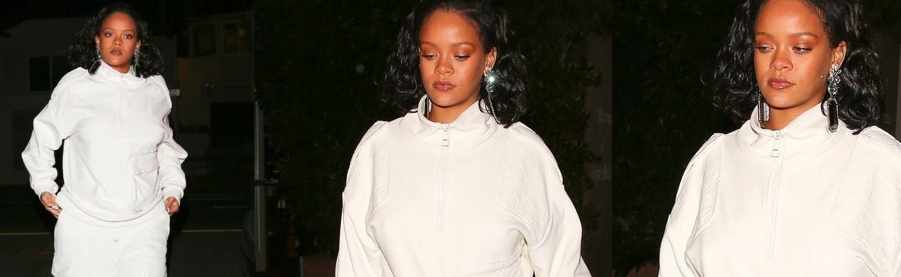Rihanna dines at Giorgio Baldi with her manager