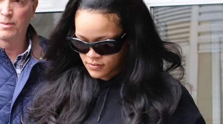 Rihanna arrives in New York