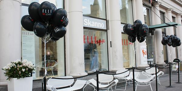 ELLE Café avasi ovensa Helsingissä