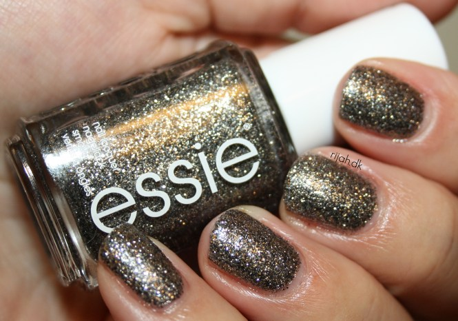 Essie Ignite the night