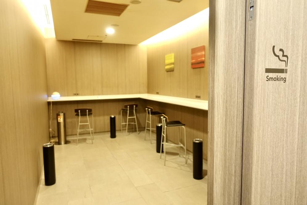 羽田空港国際線ターミナル JALファーストクラスラウンジ 喫煙室
