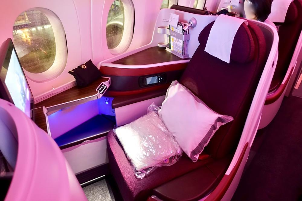 カタール航空 QR813便 ビジネスクラスキャビン 5K