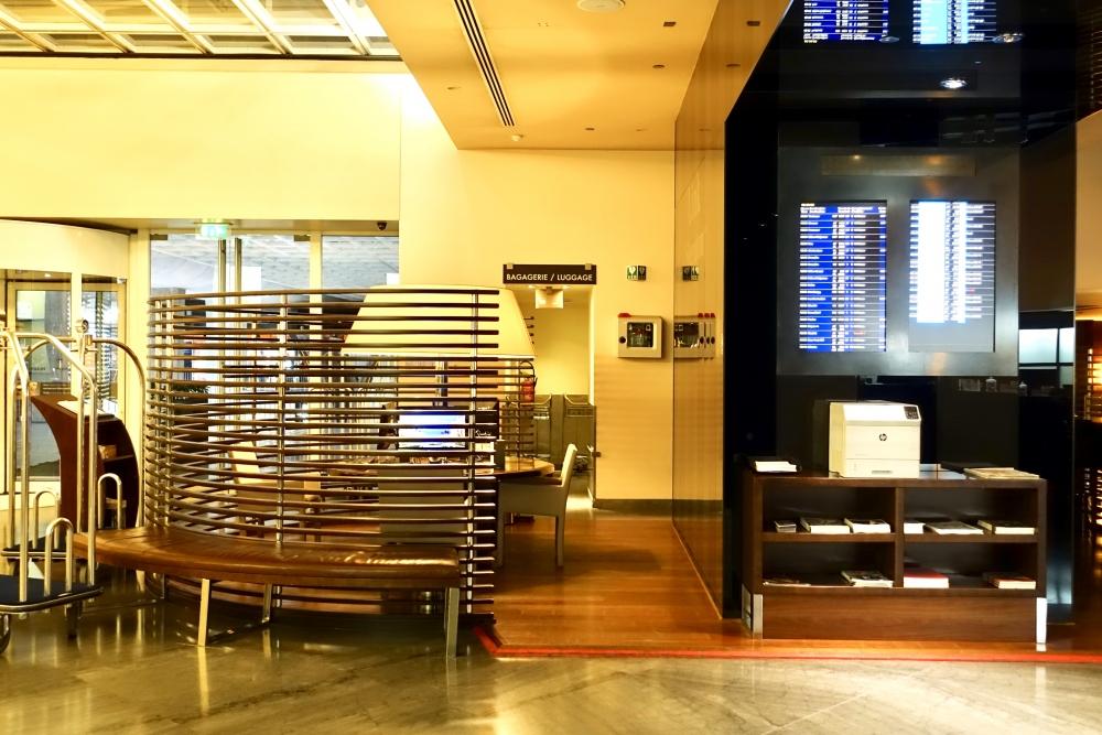 シェラトン・パリ・ロワシーエアポートロビーのビジネスセンター