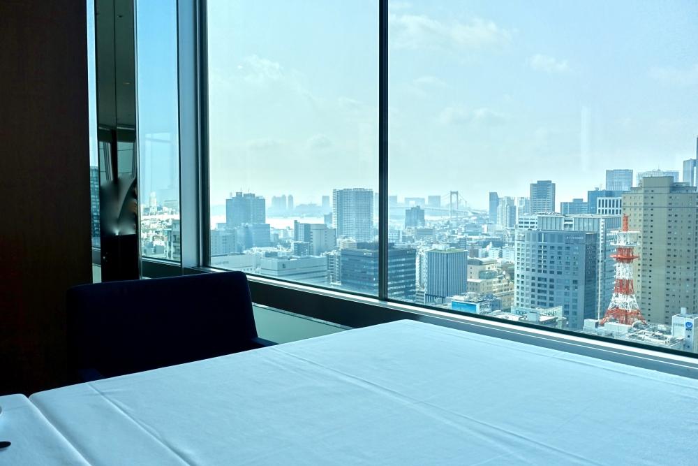 ザ・プリンスパークタワー東京ブリーズヴェール窓側の席