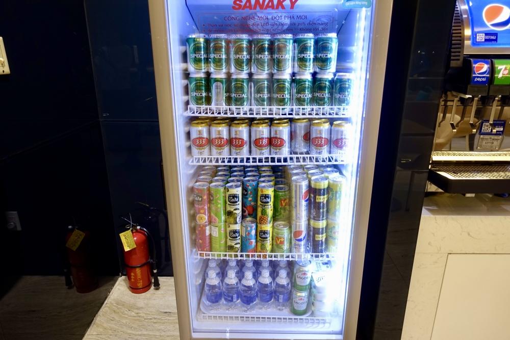 ホーチミンタンソンニャット国際空港アプリコットラウンジ冷蔵庫
