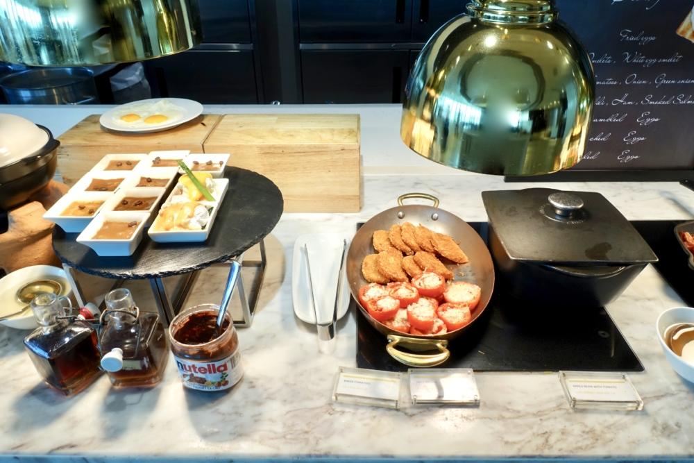 ルメリディアンサイゴン22階のクラブラウンジフードカウンター朝食ホットミール