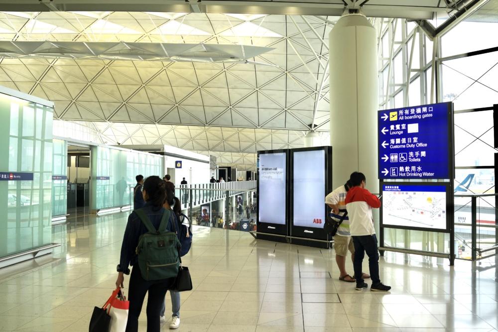 香港国際空港キャセイパシフィック航空ザ・ウィングファーストクラスラウンジへのアクセス