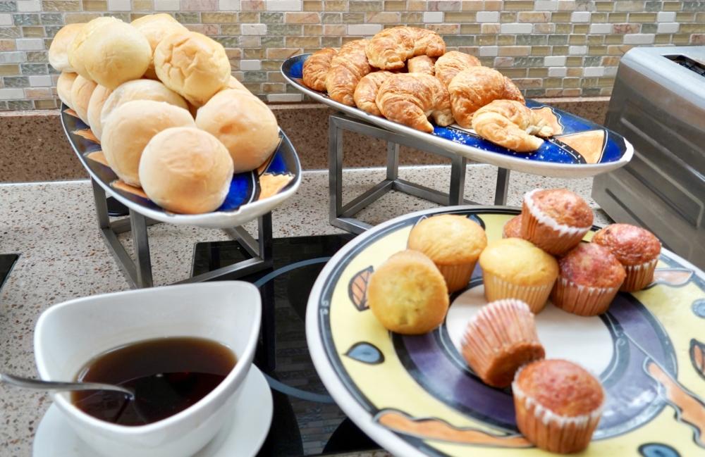 ウェスティングアム・クラブラウンジ・朝食のパン