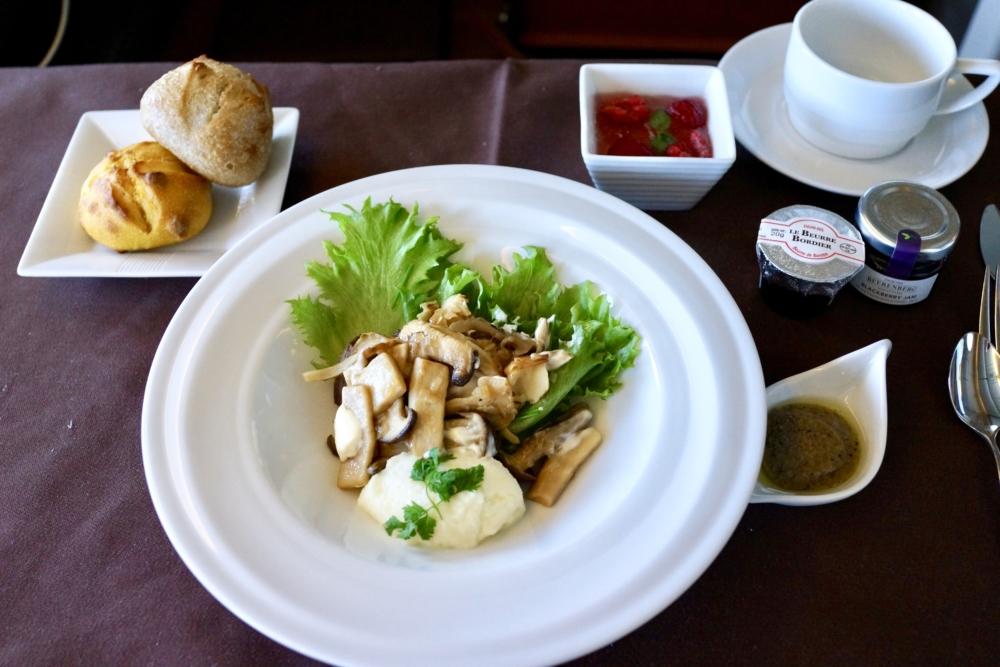 JAL国際線ファーストクラス機内食:フミコの洋食