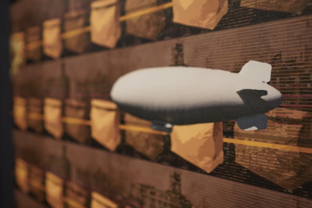 アロフト東京銀座・オープンラック壁紙・飛行船