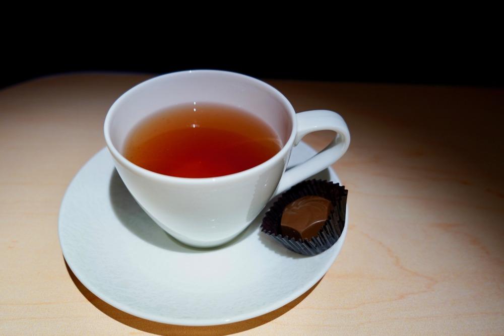 ANAビジネスクラス搭乗記・機内食・食後のお茶