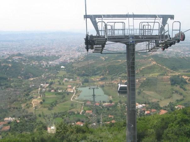 Bjerge Tirana