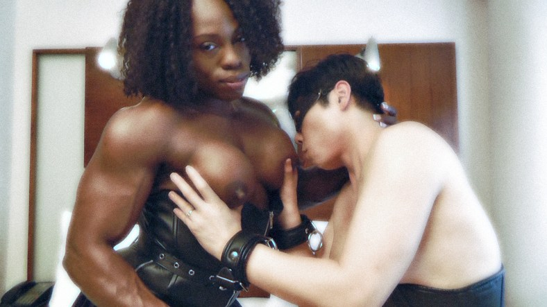FBB amateur Rikochan sucks Mistress Treasure's gorgeous chocolate nipples in a sexy muscle worship session