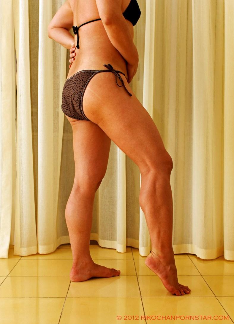 FBB Rikochan's muscular calf and hamstrings progress picture