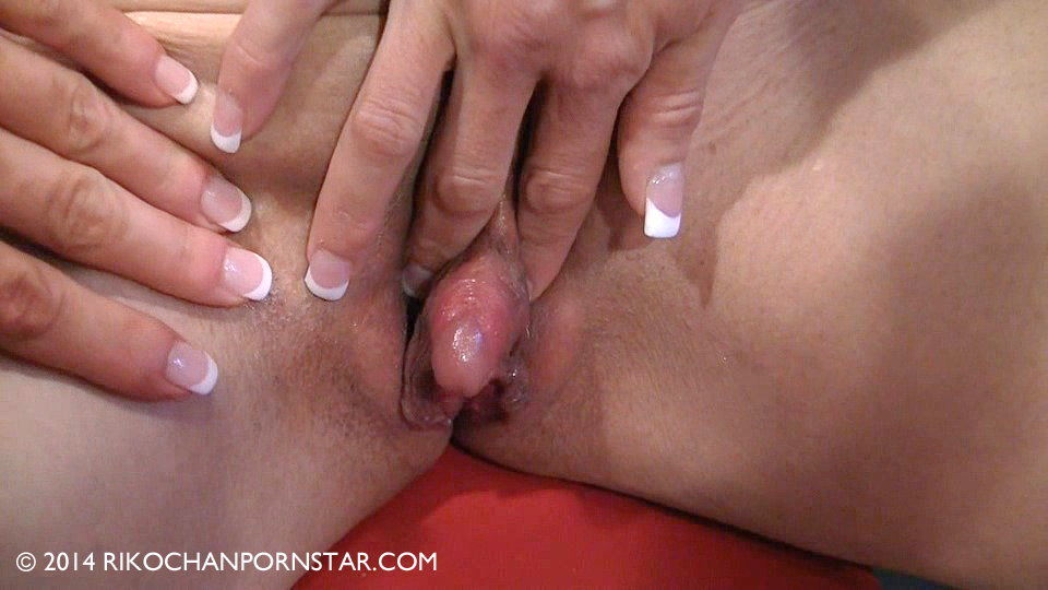 Adult female oversize clitoris — 5