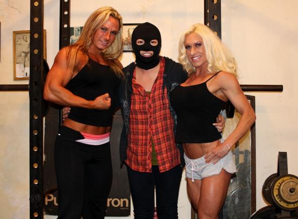 Darkside Milinda, Ashlee Chambers, and Rikochan at the SheMuscle Gym