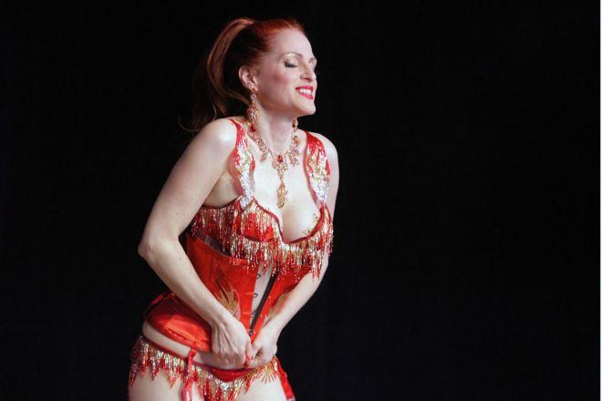 Burlesque performer Jo Boobs stripping!