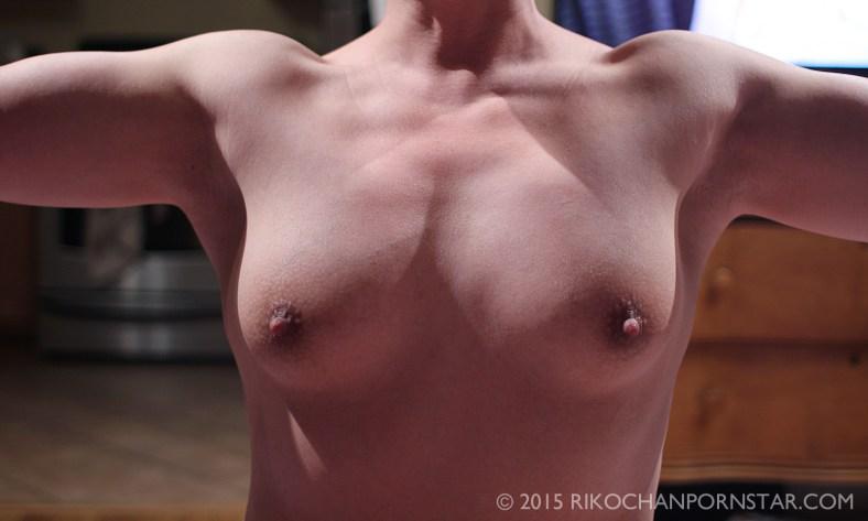female bodybuilder delts progress picture