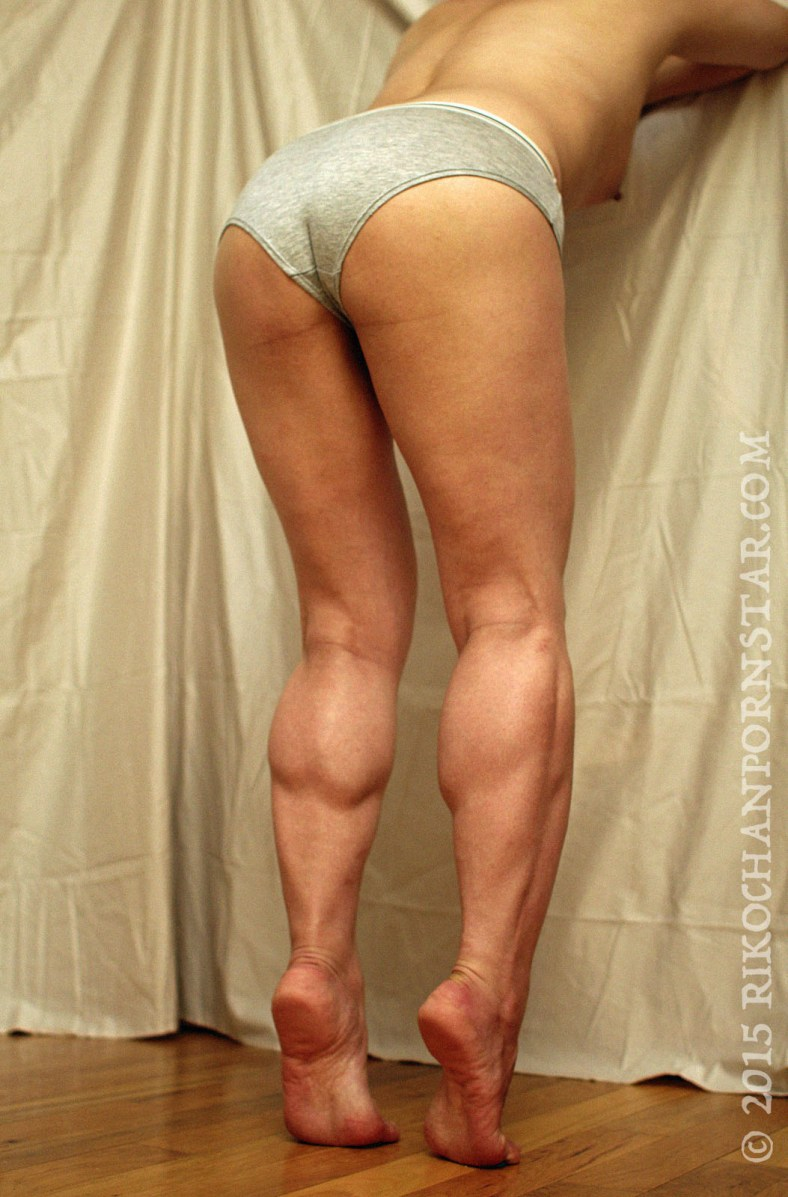 Rikochan shows off her FBB Friday ass and legs in briefs