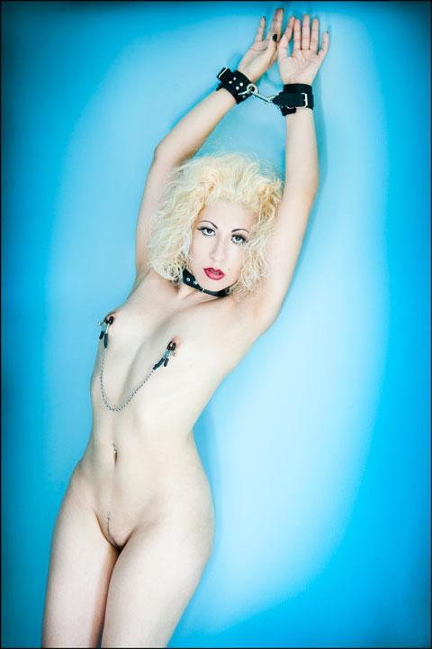 Kinky Gaga in bondage
