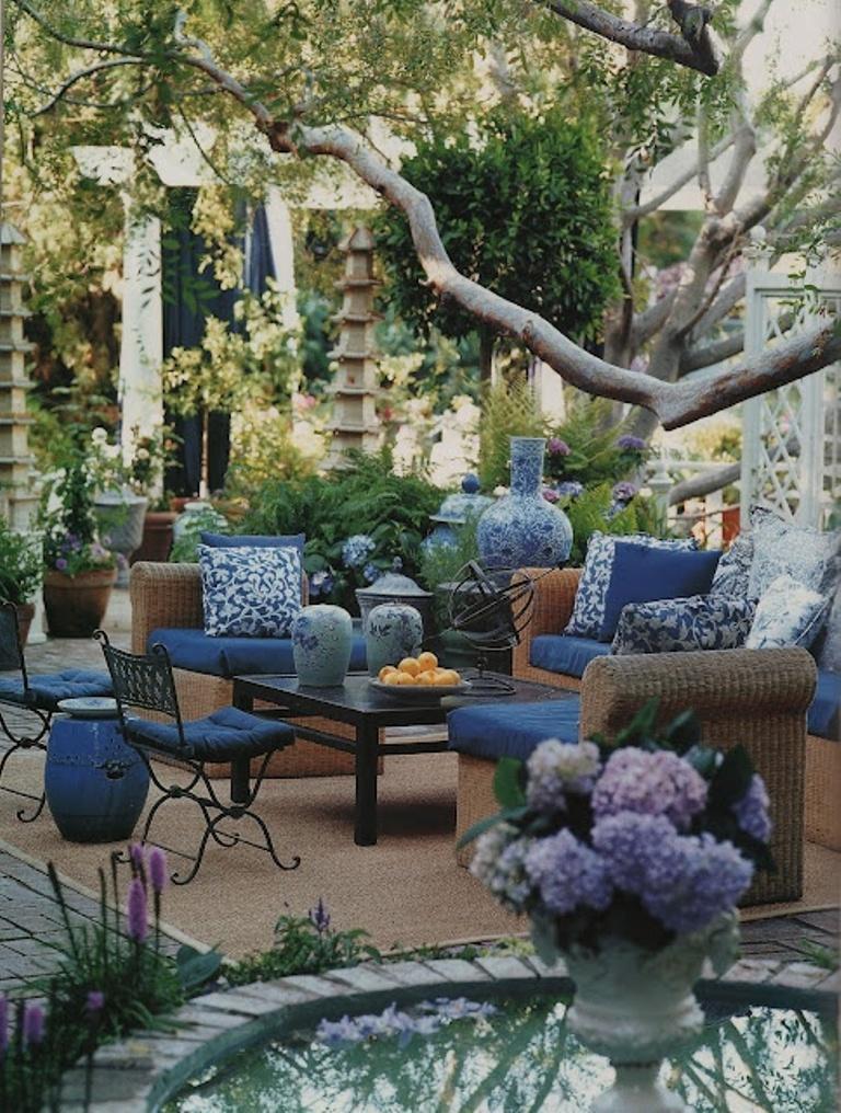 14 Romantic Backyard Patio Design Ideas - Rilane on Backyard Deck Decor  id=17951