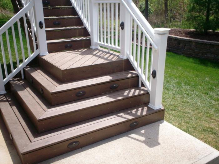 15 Natural and Beautiful Outdoor Staircases - Rilane on Backyard Stairs Design id=14113
