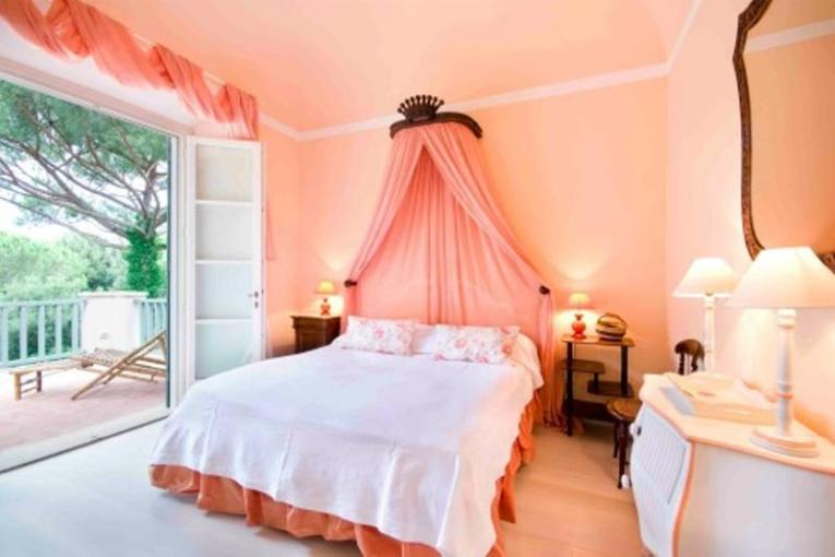 20 Charming Coral Peach Bedroom Ideas to Inspire You   Rilane 20 Charming Coral Peach Bedroom Ideas to Inspire You