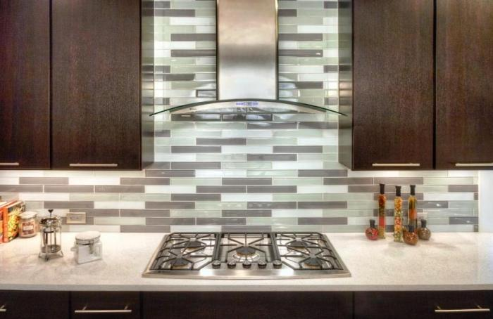10 Contemporary And Sleek Range Hood Designs For The